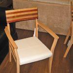 椅子はこんな感じです