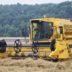 小麦収穫真っ盛り!コンバインに乗ったお客様