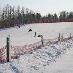 雪の中、大人も子どもも楽しもう!帯広の森でパークゴルフやそり遊び